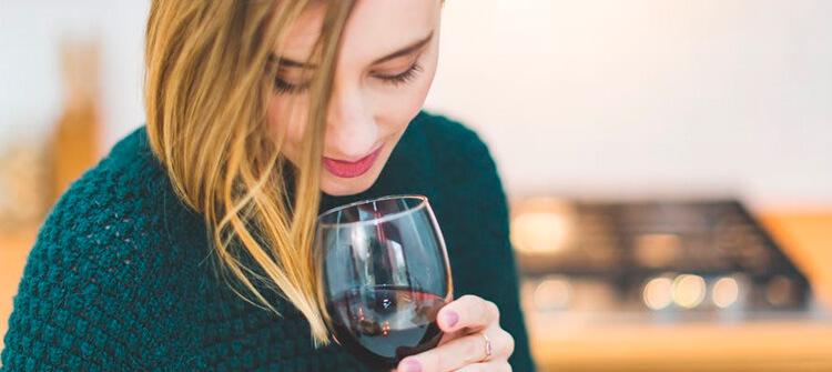 ¿Sabías que el vino tienes muchos beneficios para nuestra salud?